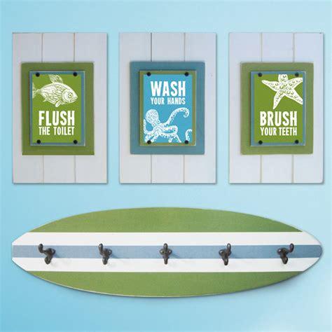 Themed Bathroom Sets by Kid S Bathroom Print Set And Surfboard Towel Rack