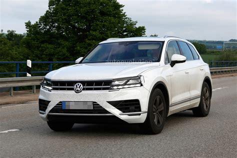 Volkswagen Touareg Spied Almost Undisguised