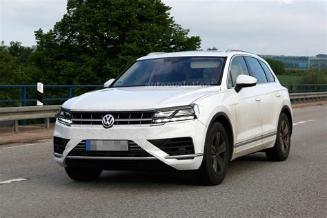 volkswagen touareg 2018 volkswagen touareg reportedly set for debut in april