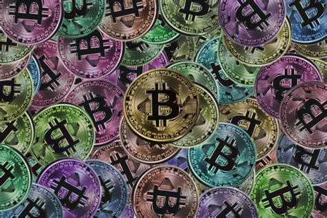 The chicago mercantile exchange group announced that it will launch bitcoin options contracts early next year to complement its bitcoin futures. CME commenced trading in Bitcoin options on Monday ...