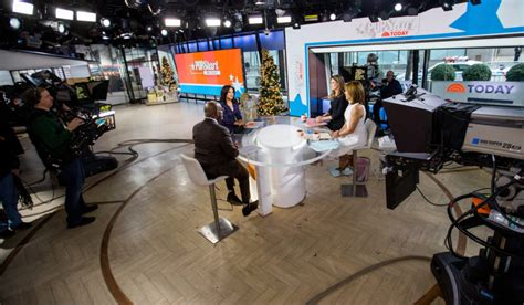daytime talk tv decked  sets