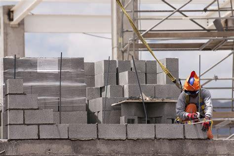 build  concrete block wall