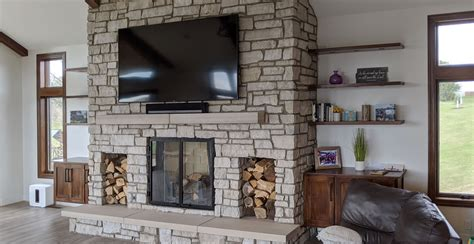 Browse contemporary living room decorating ideas and furniture layouts. Modern rustic living room design with veneer stone fireplace TV wall decor Buechel Stone