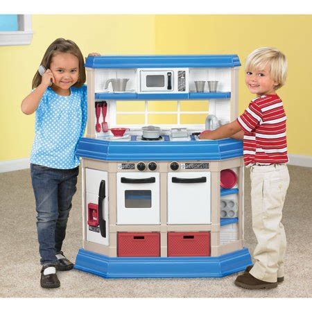 american plastic toys kitchen american plastic toys cookin kitchen with 22 accessories