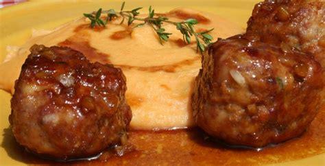 cuisiner chair à saucisse boulettes volaille et chair à saucisse au miel et au thym