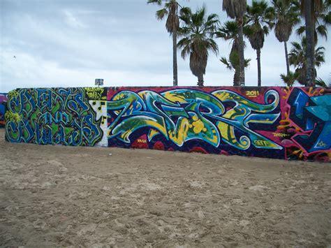 venice beach walls  art dellanira