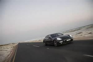 Porsche Panamera Turbo Executive Volcano Grey Metallic