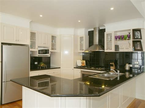 modern u shaped kitchen designs أروع تصميمات المطابخ مربعة الشكل لعام 2014 9261