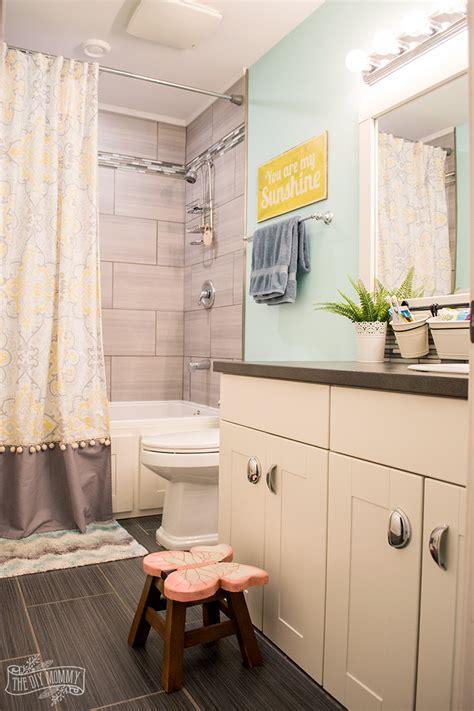 Kids Bathroom Organization Ideas + Free Printable Bathroom