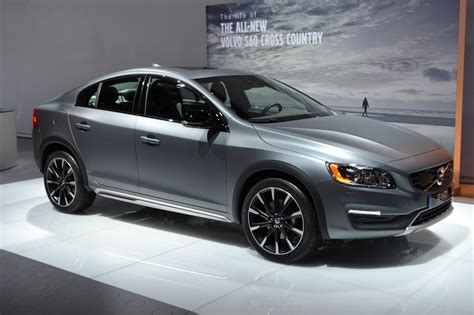 Volvo Goes Back To The Future With New S60 Cross Country