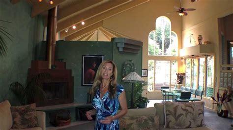 holualoa house  sale artistic charmer   acres