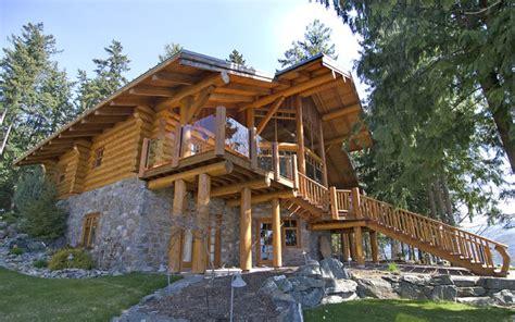 exterior shots  log homes  traditional log homes