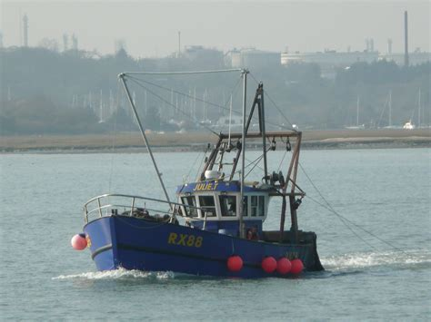 Boats For Sale Near Ct by File Fishing Boat In Southton Water Next To The Calshot