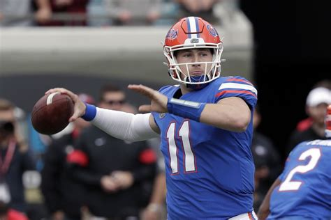 No new COVID-19 cases on Gators football team, while only ...