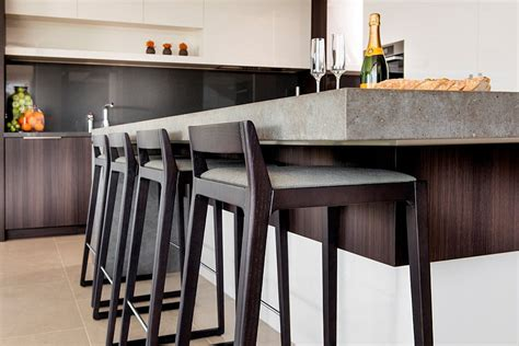 simple and sleek bar stools for the modern kitchen island