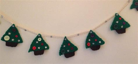 for a christmas tree christmas tree bunting knitting pattern by marywilddesigns 7826