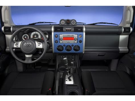 toyota fj cruiser interior  news world report