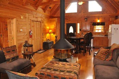 Branson Cabins With Tub by Amazing Branson Log Cabins Branson Missouri