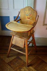 Antique wooden high chair with tray for Antique high chairs wooden