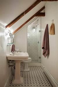 une salle de bain sous pente ou sous combles en 52 photos With salle de bain sous comble