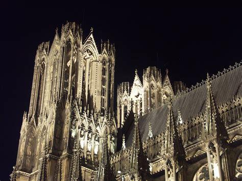 Résultat d'images pour cathedrale de reims
