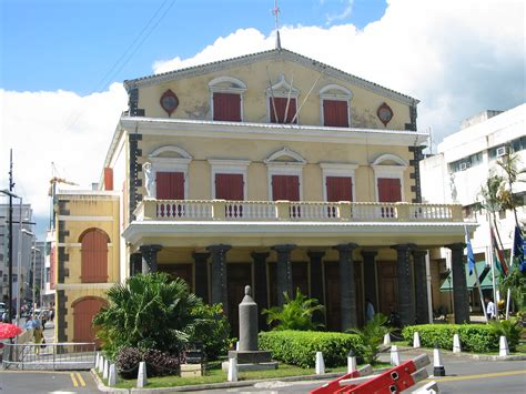 cinema port louis file theater in port louis mauritius jpg wikimedia commons