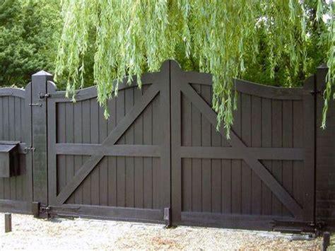 The 25+ Best Wood Driveway Gates Ideas On Pinterest