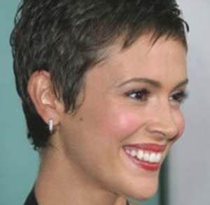 Coupe Courte Frisée Femme : coupe courte cheveux cv 1 pinterest cheveux fins modele coiffure femme et ~ Melissatoandfro.com Idées de Décoration