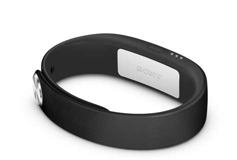 sony si鑒e social sony smartband swr10 prezzo e funzioni nuovo braccialetto fitness contapassi acquisti