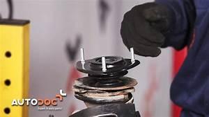 Changer Coupelle Amortisseur : changer coupelle d 39 amortisseur toyota yaris xp10 tutoriel autodoc youtube ~ Medecine-chirurgie-esthetiques.com Avis de Voitures