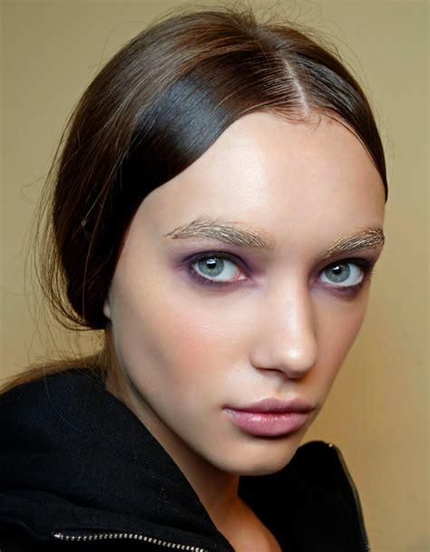 comment maquiller des yeux bleus exemple de maquillage des yeux bleus comment maquiller des yeux bleus
