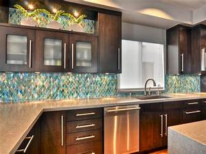 Glass tile backsplash ideas pictures tips from hgtv hgtv for Kitchen backsplash ideas will enhance visual kitchen