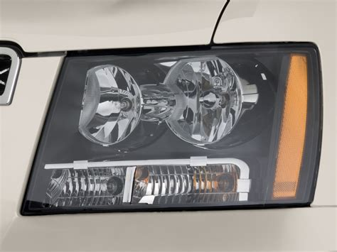 image 2013 chevrolet tahoe 2wd 4 door 1500 ltz headlight
