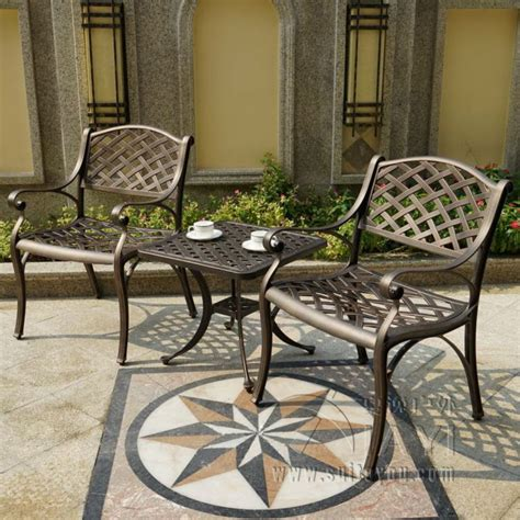 3 cast aluminum durable outdoor chair and table