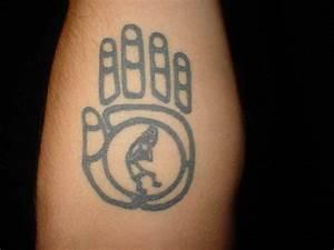 Tattoo Symbol Stärke : tattoo ideen symbol staerke hand indianisch indianisch zeichen symbol f r st rke t towieren ~ Frokenaadalensverden.com Haus und Dekorationen