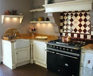 cuisines nemau deco prestige With good idee deco pour maison 10 cuisine rouge cerise