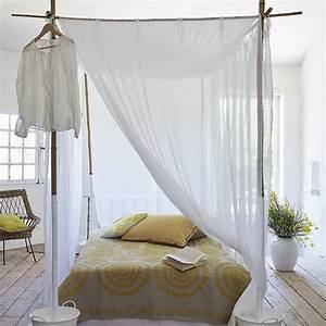 un lit baldaquin en bambou et conton blanc with lit With chambre bébé design avec matelas fleur de bambou