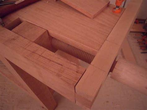 work bench build  leg stretchers tool  frame top