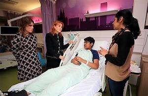 Duchess of York and Princess Eugenie at Alder Hey Hospital ...