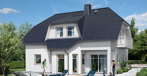 Modernes Haus Mit Erker Und Balkon  Ytong Bausatzhaus