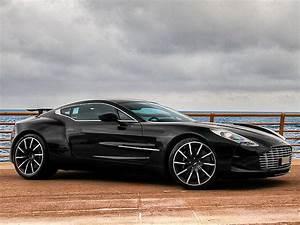 Fun Autos 77 : aston martin one 77 side view no car no fun muscle cars and power cars ~ Gottalentnigeria.com Avis de Voitures