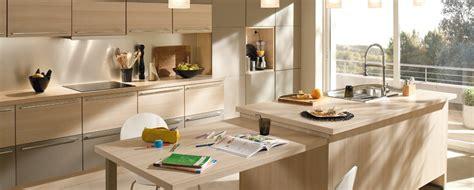 modele cuisine but modele de cuisine en bois clair mzaol com
