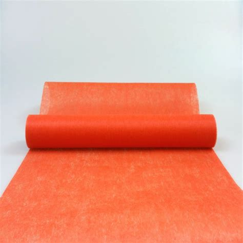 chemin de table orange chemin de table en non tiss 233 orange maplusbelledeco