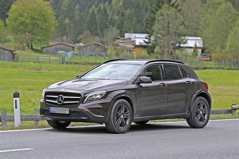 Mercedes BenzCar : Mercedes-benz Is Testing Upcoming Glb, Spyshots Reveal