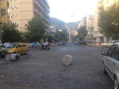 Cemento Stato Sicilia by Giallo In Viale Cania Chi Ha Rubato I Dissuasori