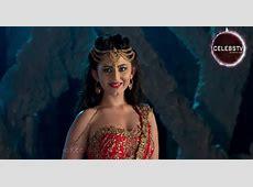 Young TV Actress Richa Mukherjee Sexy Bare Navel Show