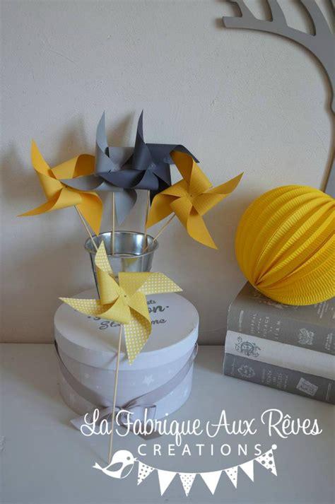chambre bebe blanc moulins à vent jaune soleil jaune moutarde gris mariage