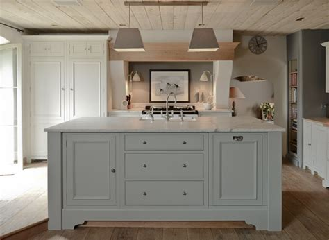 Light Gray KItchen Island   Eclectic   kitchen   Sims Hilditch