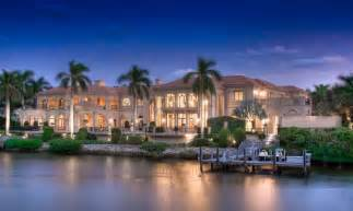 South Luxury Homes by Jupiter Tequesta Luxury Homes Selling At Light Speed