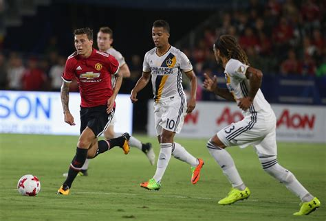Lindelof leads Man Utd's defensive picks